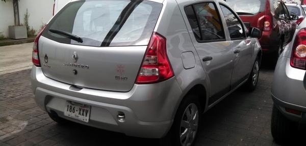 Renault Sandero Atrás 3