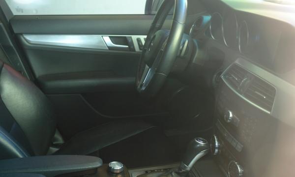 Mercedes Benz Clase Lateral derecho 3