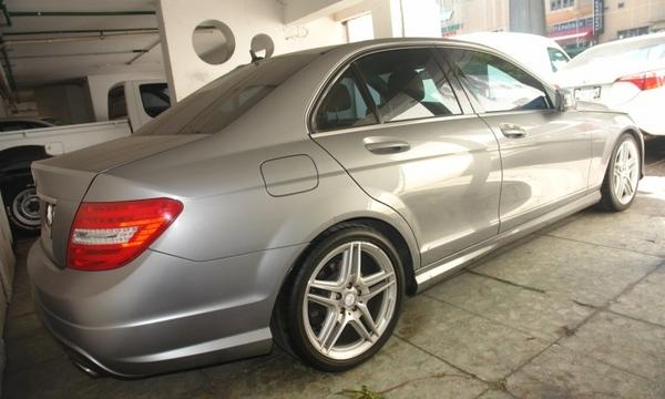 Mercedes Benz Clase Atrás 1