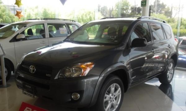 Toyota RAV 4 Llantas 3