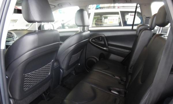 Toyota RAV 4 Interior 2