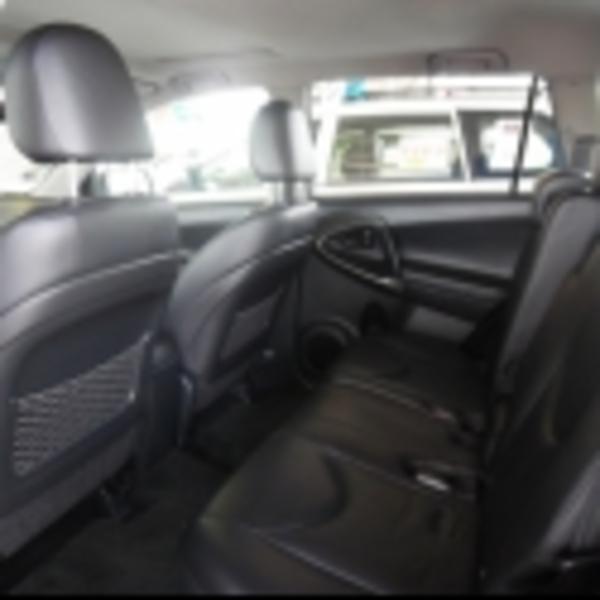 Toyota RAV 4 Arriba 2