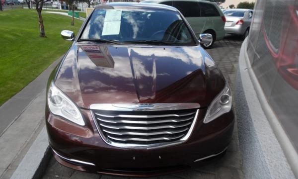 Chrysler 200 Atrás 1