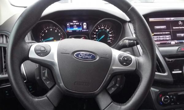 Ford Focus Lateral izquierdo 7