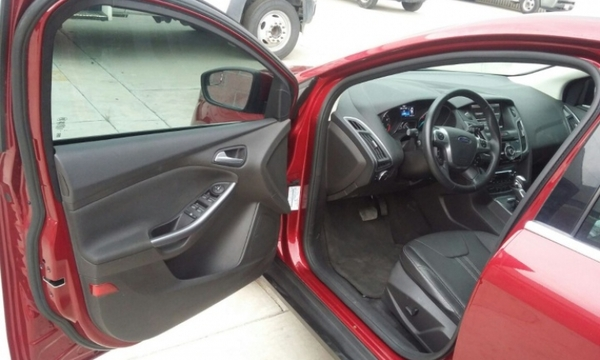 Ford Focus Lateral derecho 5