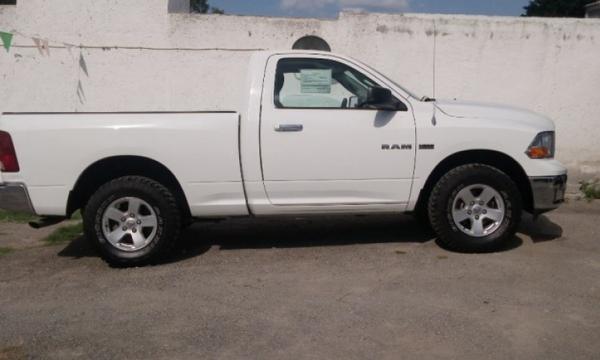 Dodge RAM Lateral izquierdo 12