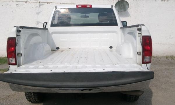 Dodge RAM Atrás 3