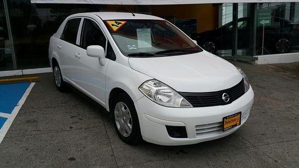 Nissan Tiida Sedan Asientos 2