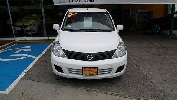 Nissan Tiida Sedan Sense Aut 2014