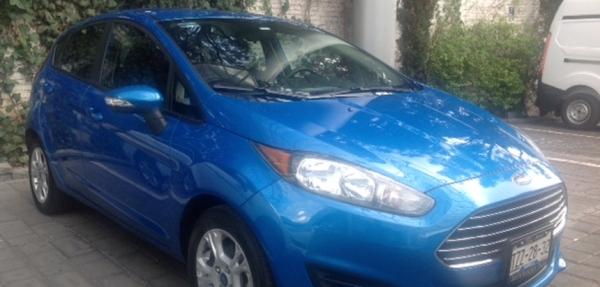 Ford Fiesta Hatchback Lateral derecho 11