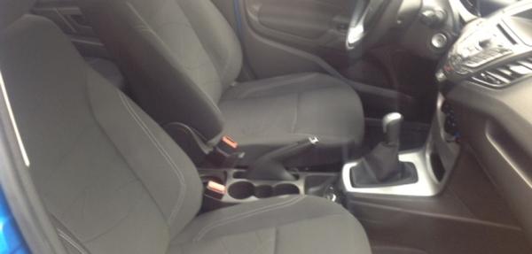 Ford Fiesta Hatchback Lateral derecho 1