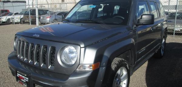 Jeep Patriot Atrás 12