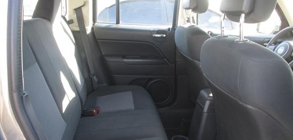 Jeep Patriot Interior 6