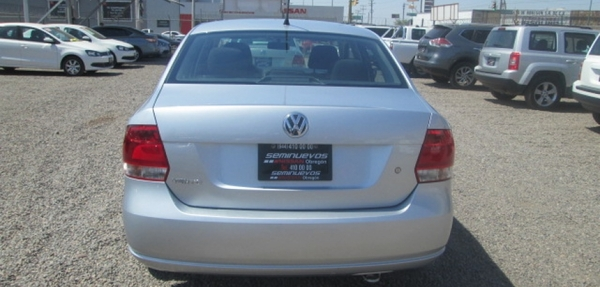 Volkswagen Vento Frente 2