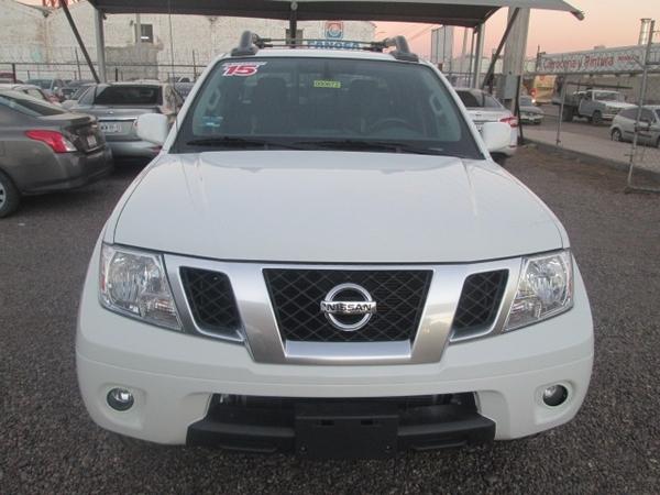 Nissan Frontier Interior 11