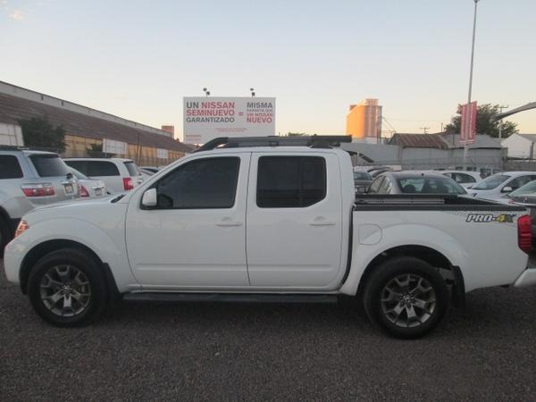 Nissan Frontier Frente 6