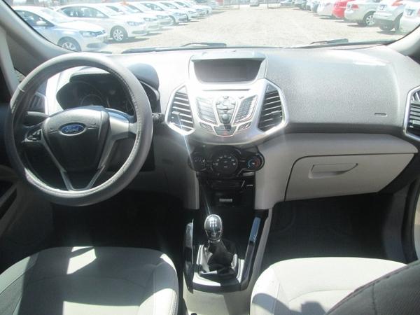 Ford Ecosport Lateral izquierdo 8