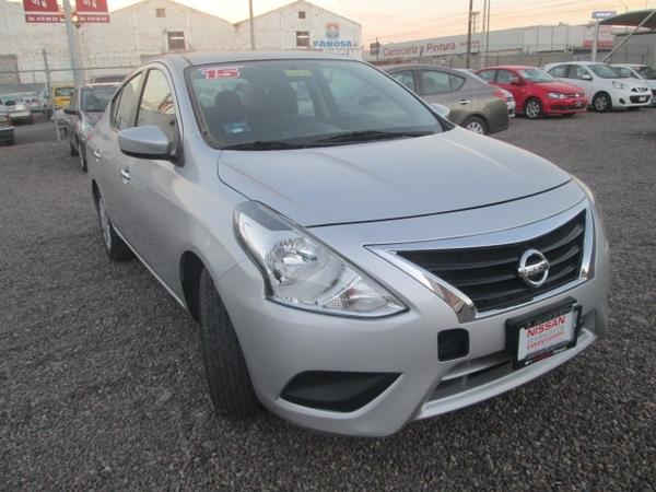 Nissan Versa Asientos 3