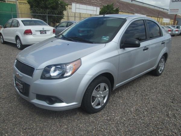 Chevrolet Aveo Lateral izquierdo 2