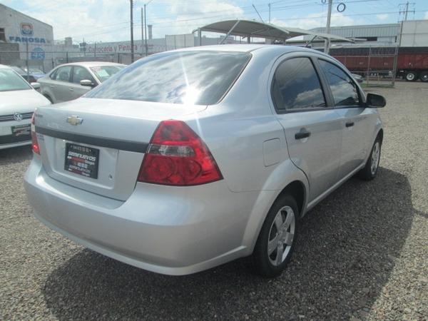 Chevrolet Aveo Interior 6