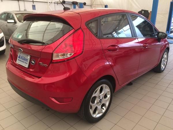 Ford Fiesta Hatchback Lateral izquierdo 7