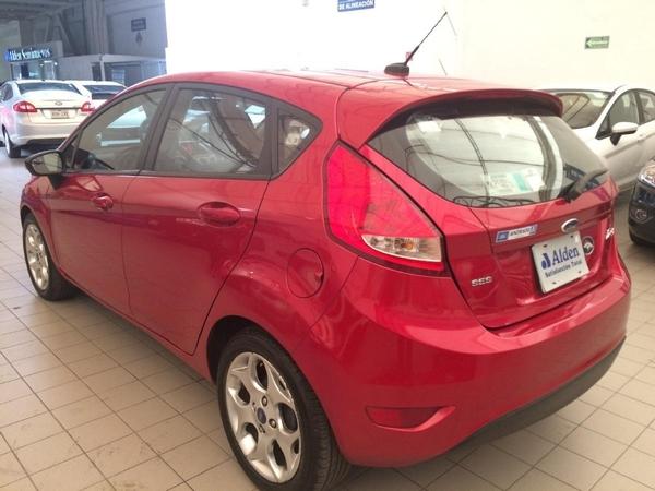 Ford Fiesta Hatchback Asientos 4