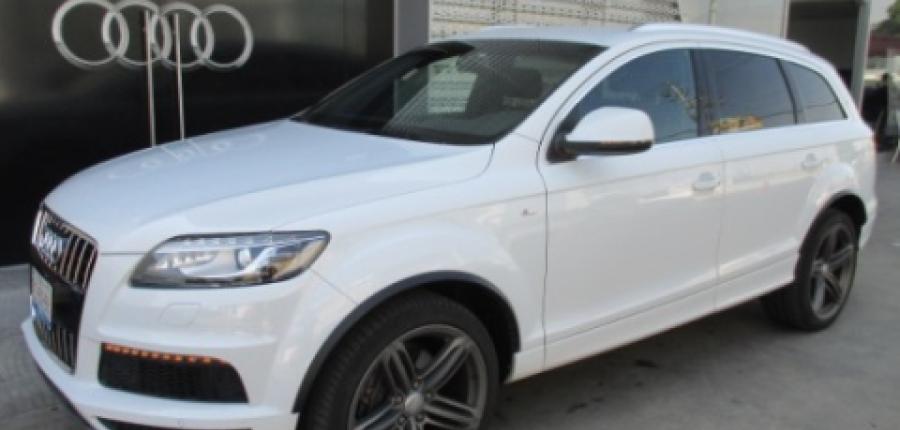 Audi Q7 Lateral derecho 10