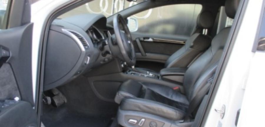 Audi Q7 Interior 6