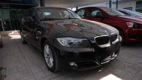 BMW Serie 3 Lateral derecho 17