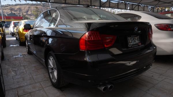BMW Serie 3 Arriba 15