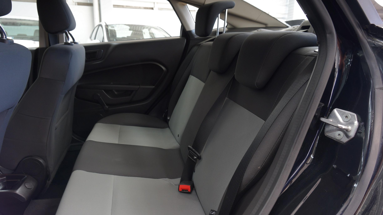 Ford Fiesta Sedán Tablero 8