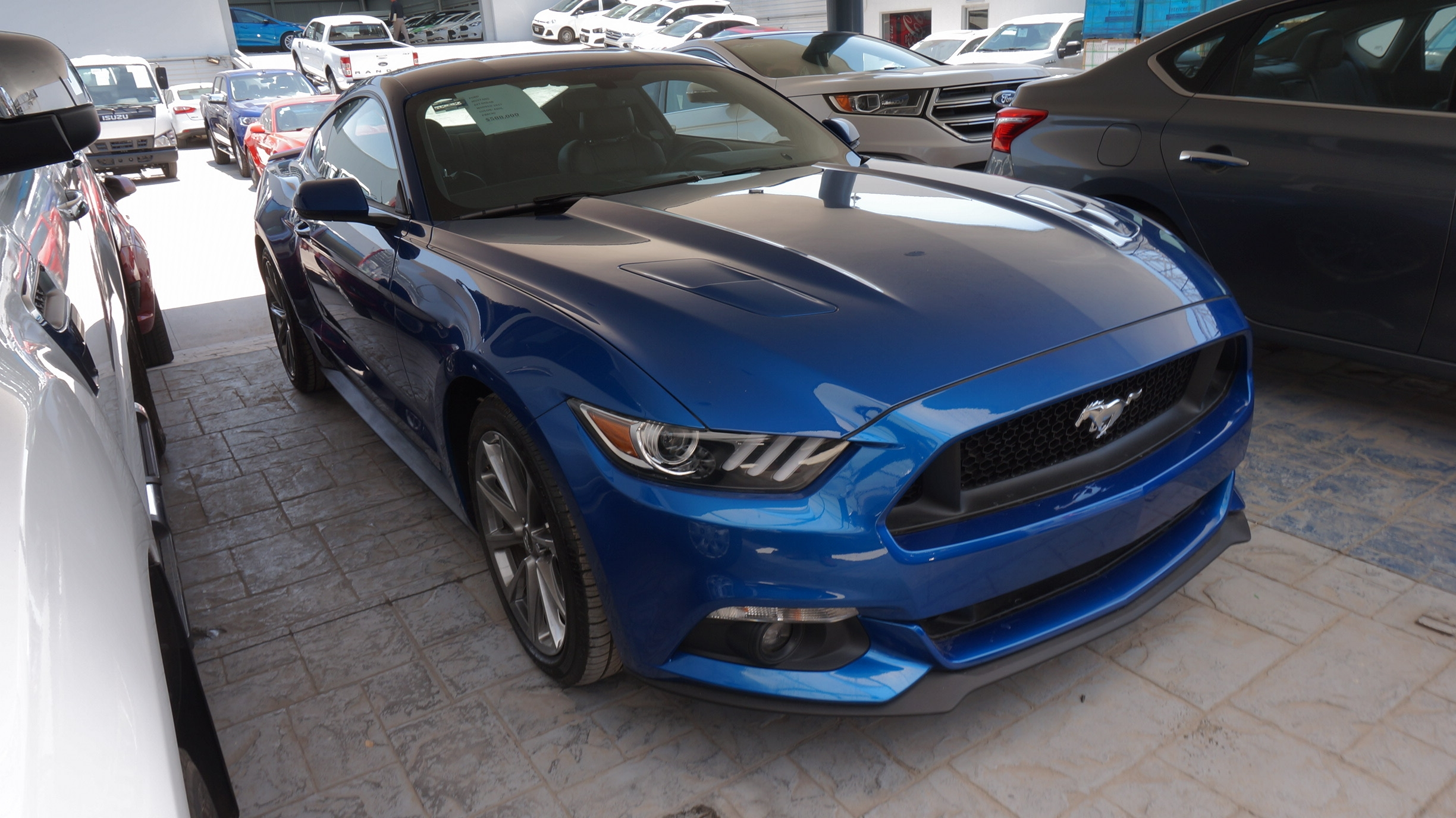 Ford Mustang Lateral derecho 1