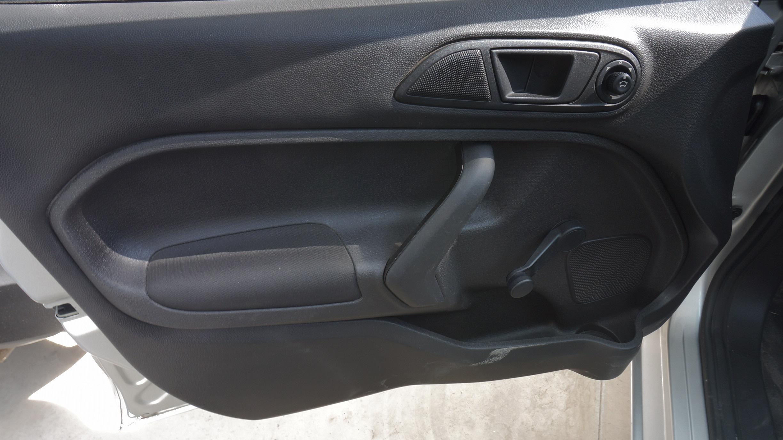 Ford Fiesta Sedán Llantas 16