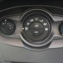 Ford Fiesta Sedán Arriba 11