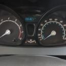 Ford Fiesta Sedán Arriba 15