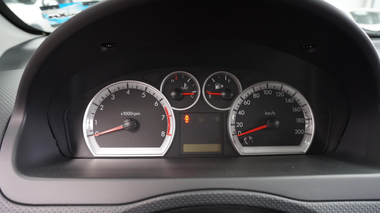 Chevrolet Aveo Lateral derecho 11