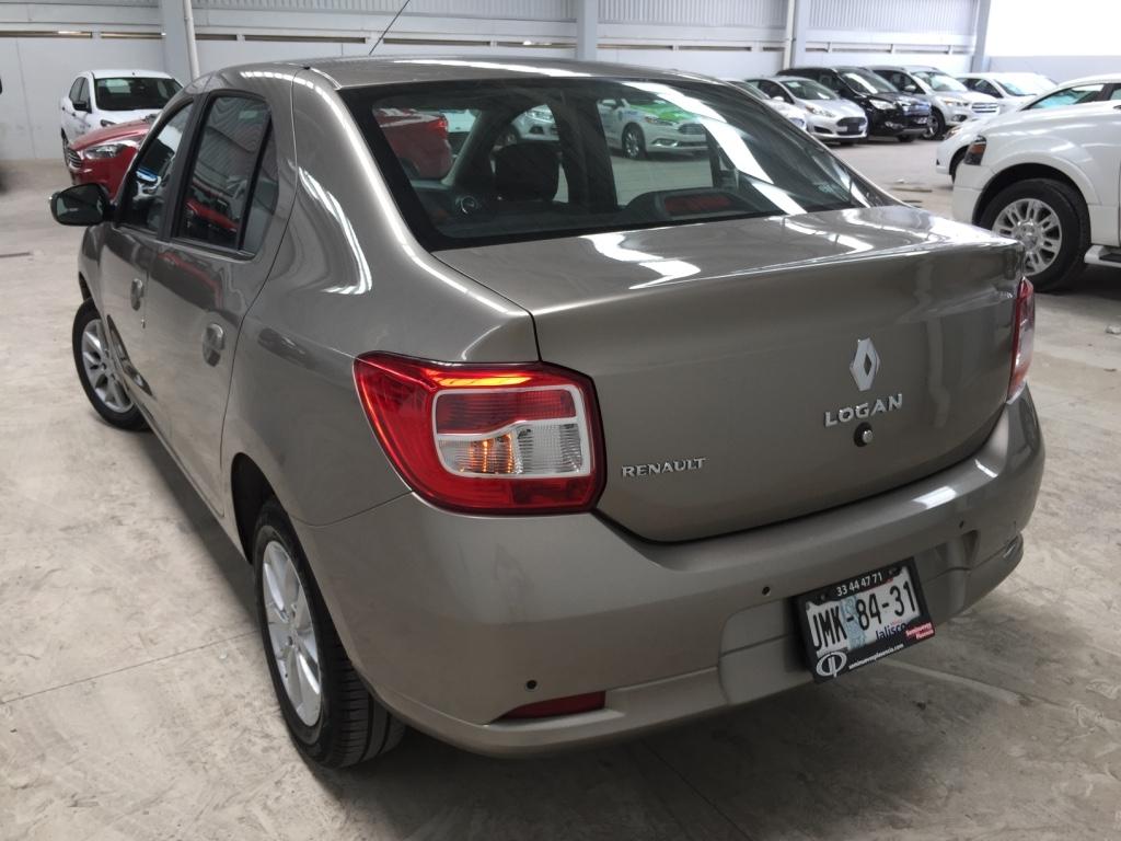 Renault Logan Frente 16