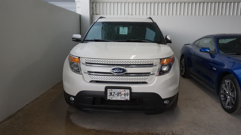 Ford Explorer Atrás 14