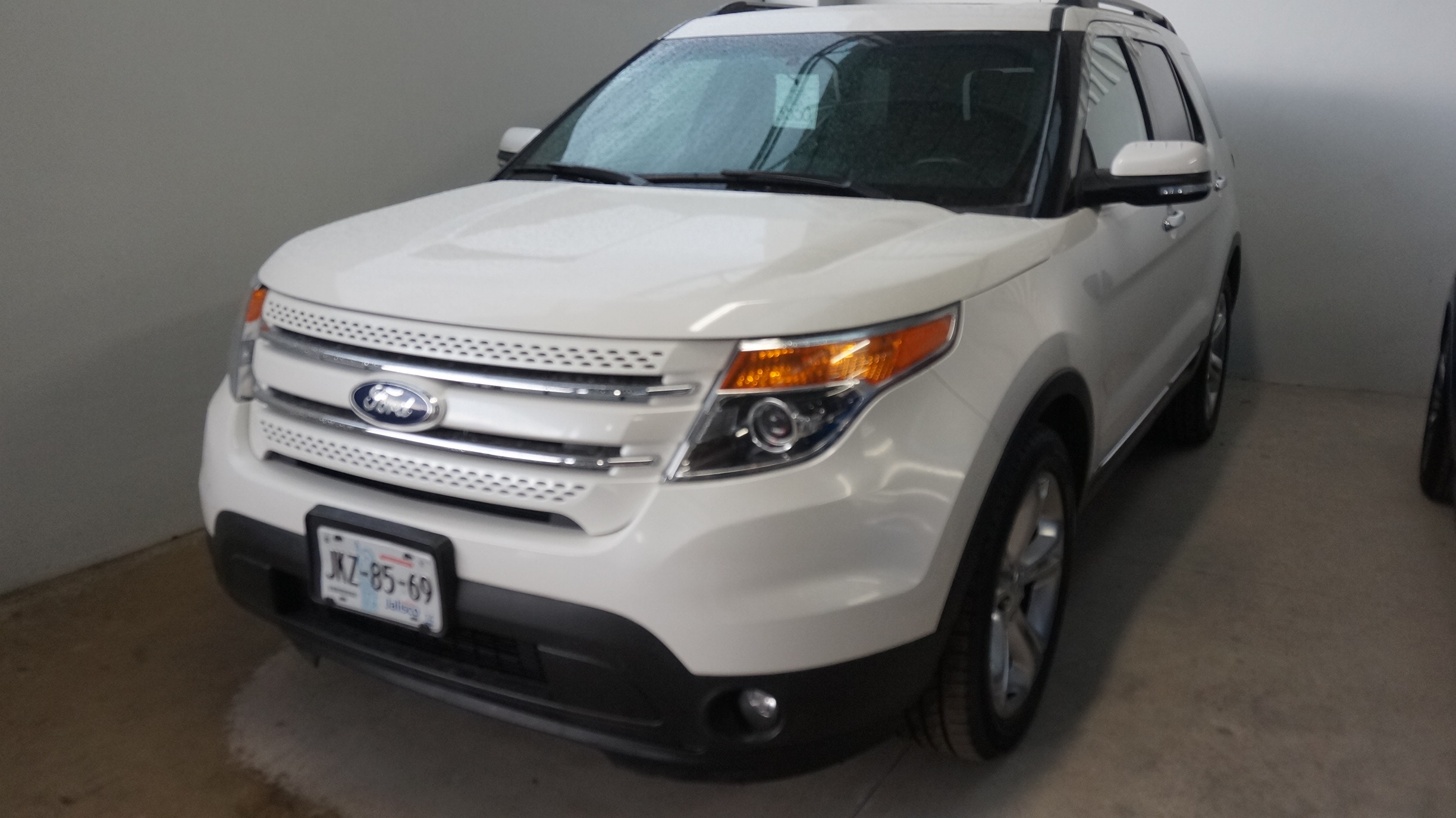 Ford Explorer Lateral derecho 15