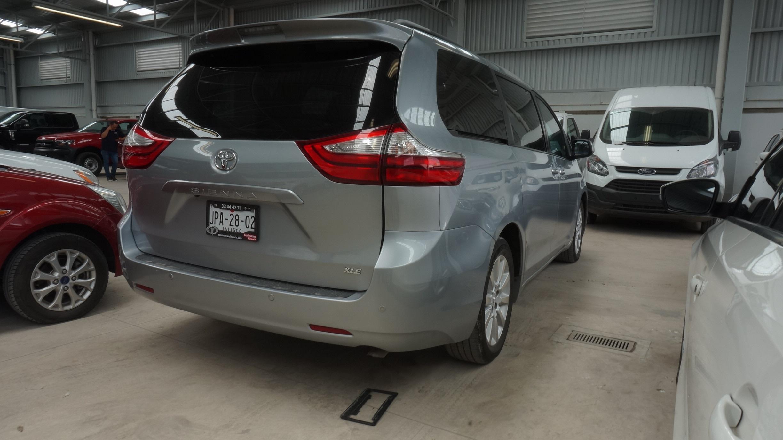 Toyota Sienna Arriba 3