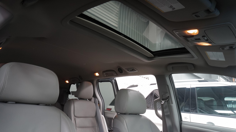 Toyota Sienna Arriba 14