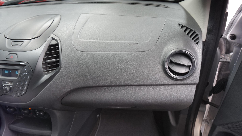 Ford Figo Lateral derecho 7