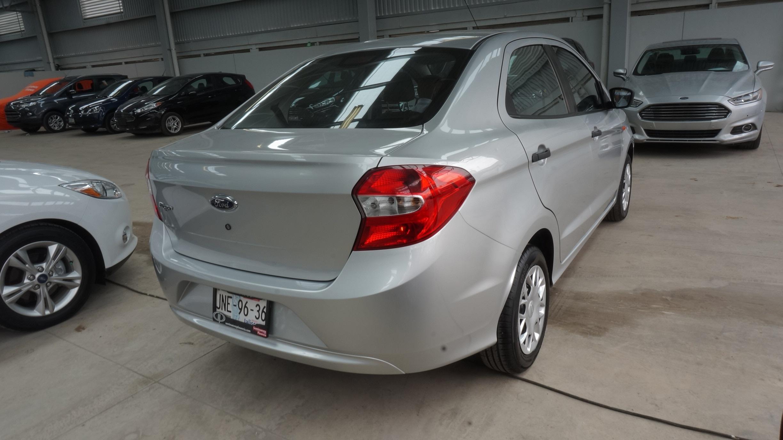 Ford Figo Llantas 8