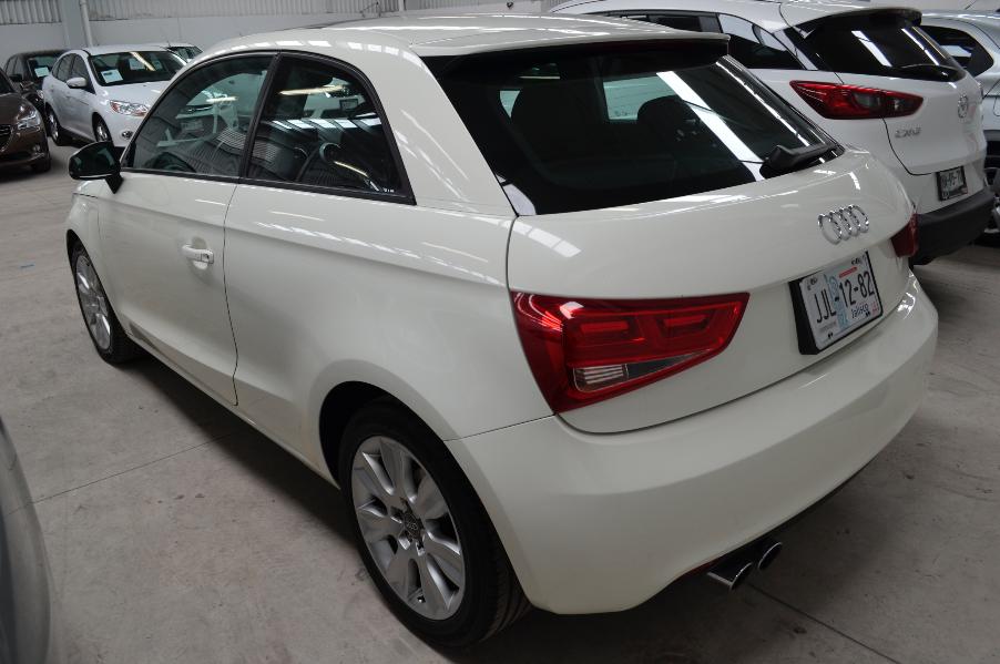 Audi A1 Atrás 6