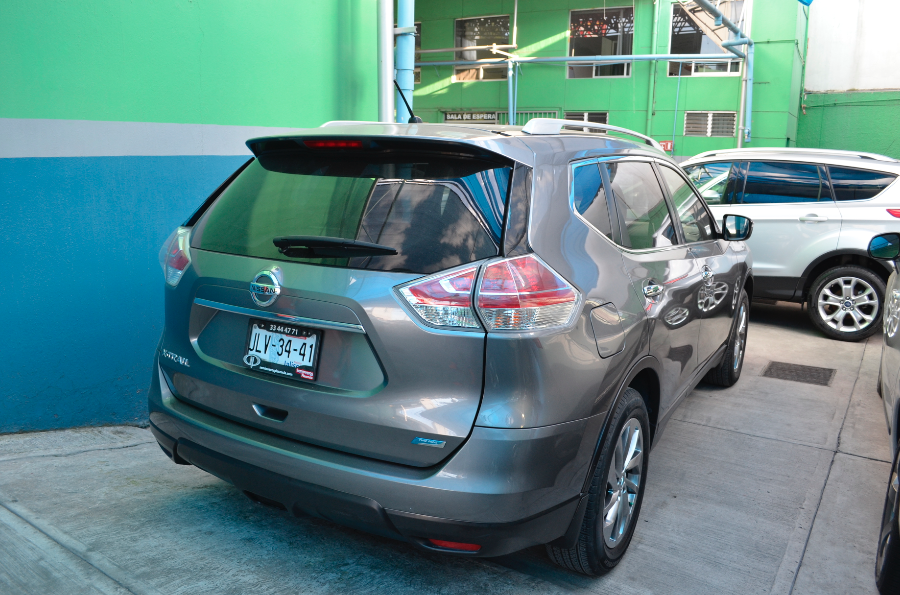 Nissan X-Trail Lateral derecho 14