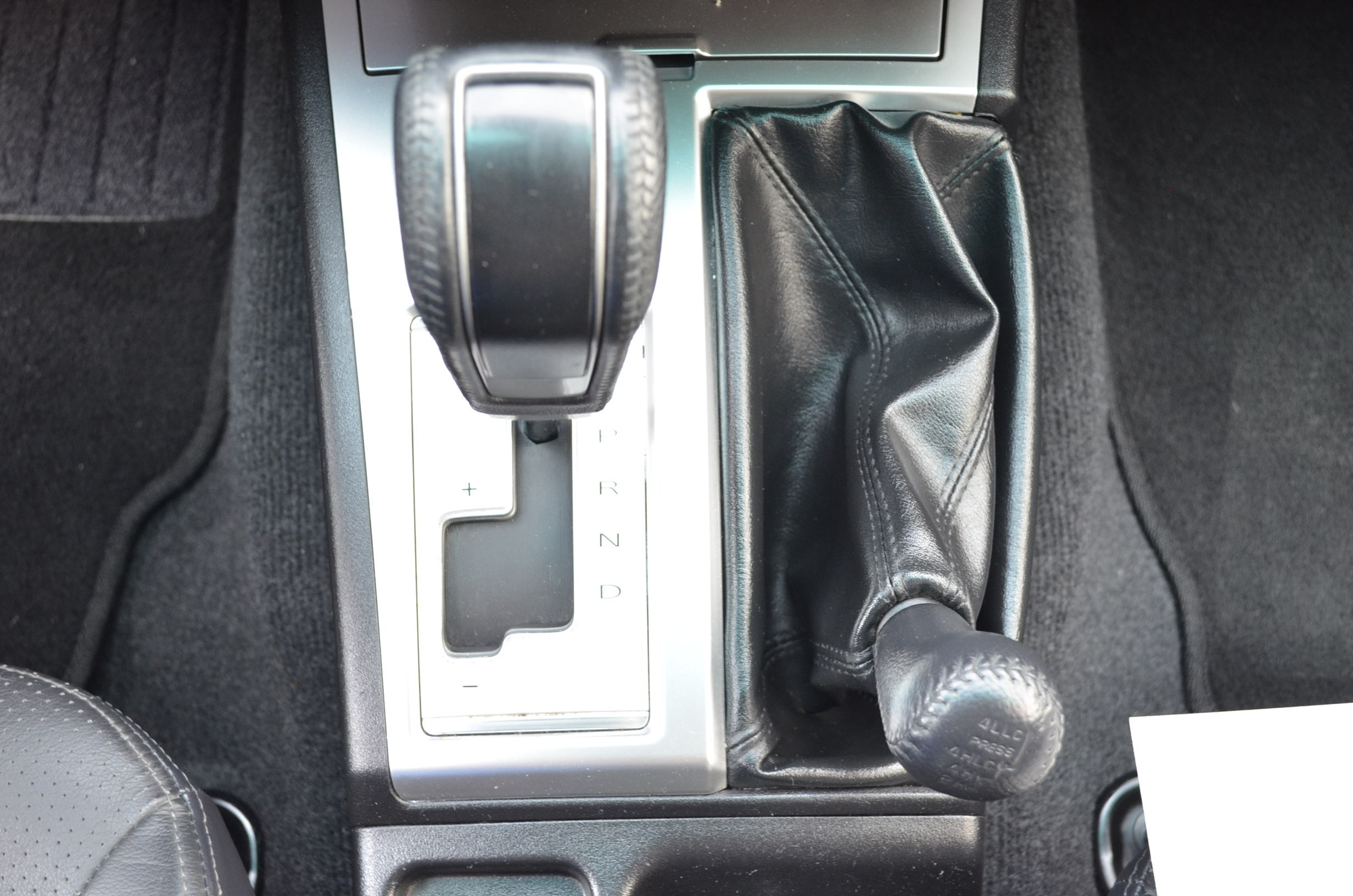 Mitsubishi Montero Sport Tablero 13