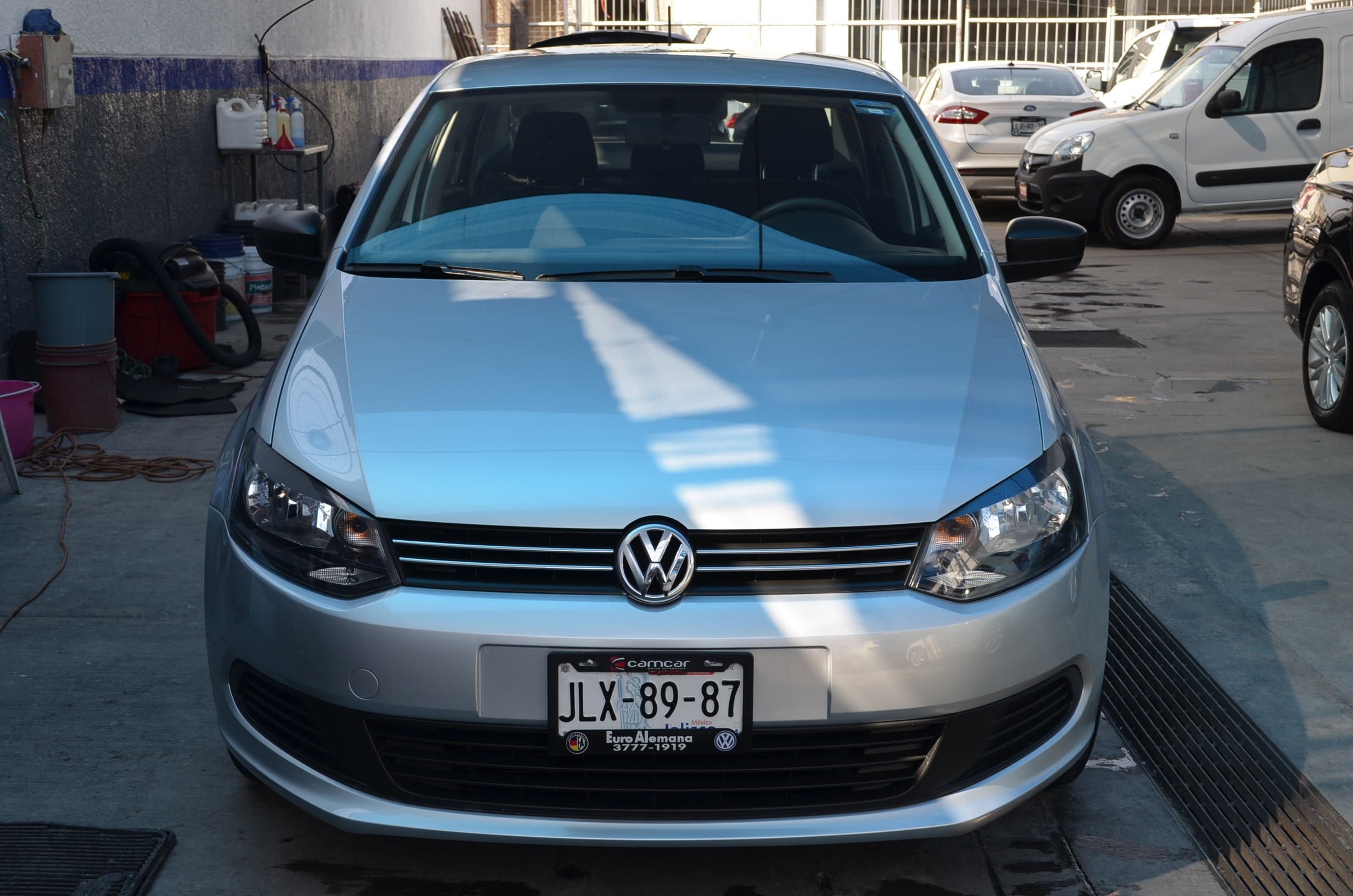 Volkswagen Vento Lateral derecho 6