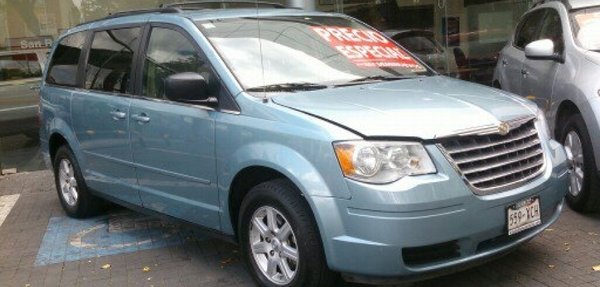 Chrysler Town and Country LX 4.0L 2010