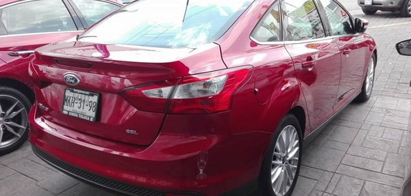 Ford Focus Lateral derecho 4