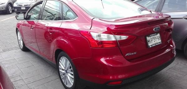 Ford Focus Atrás 7